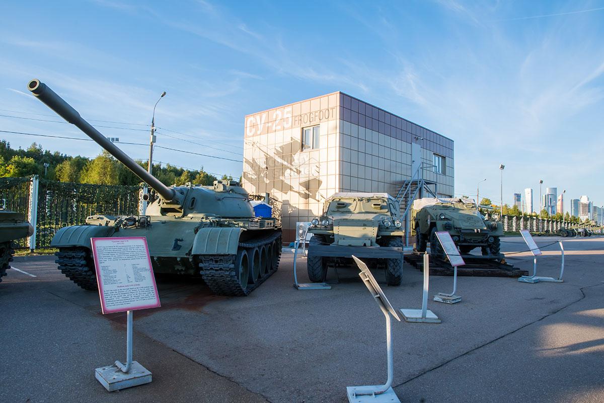 Экспозиция вооружения и военной техники, использовавшихся в локальных конфликтах на нашей планете после Второй мировой войны, организована музеем Победы.
