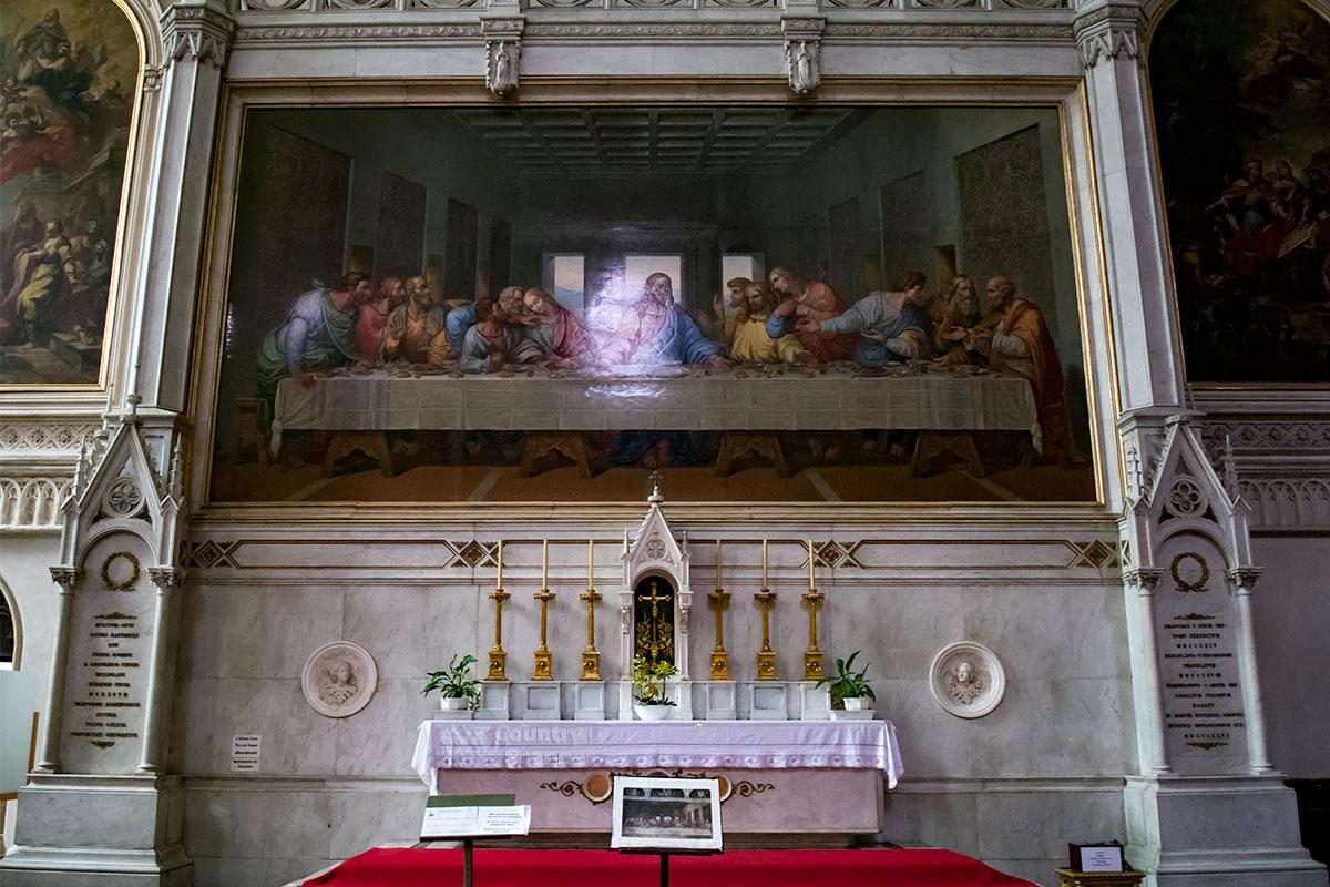 Главная реликвия и достопримечательность церкви Миноритов – мозаичная копия работы Рафаэлли с фрески Леонардо да Винчи – Тайная вечеря.