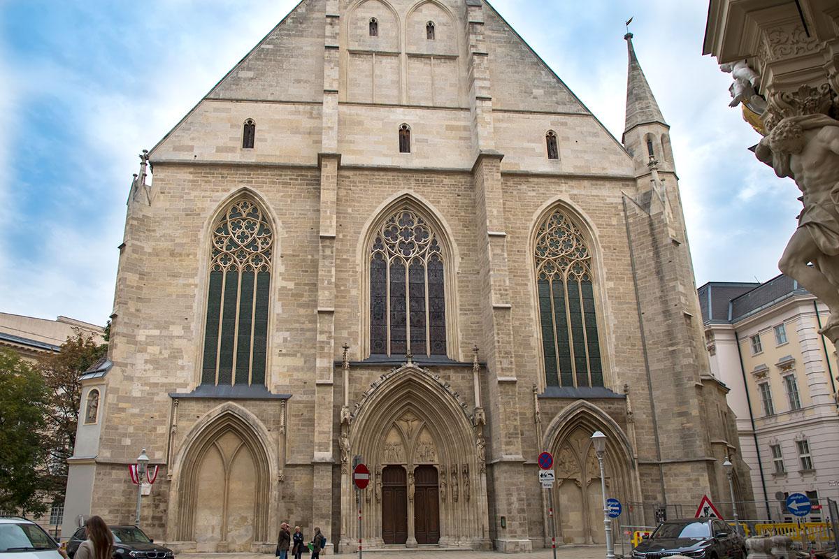 Католическая церковь Миноритов, или францисканцев, построена приверженцами Франциска Ассизского еще в XIII веке в стиле французской готики.