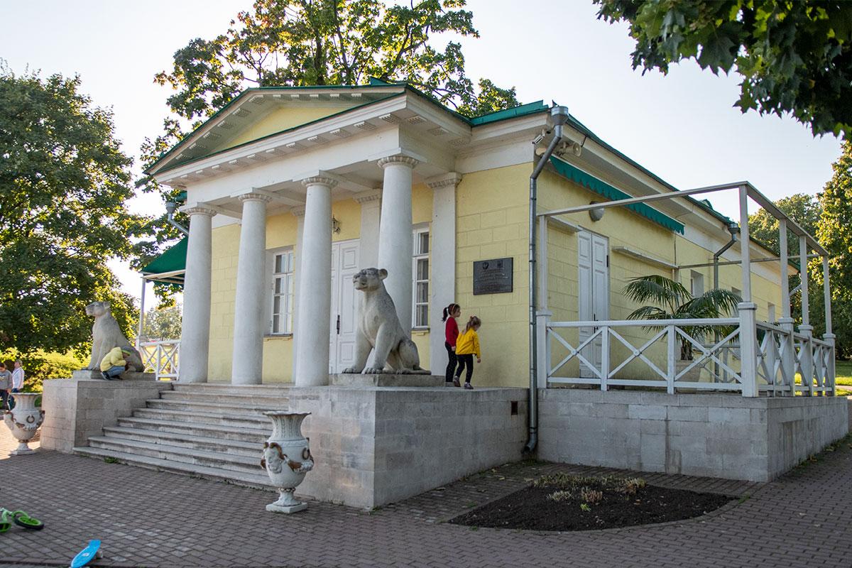 dvortsoviy-pavilion-kolomenskoe-countryscanner-1.jpg