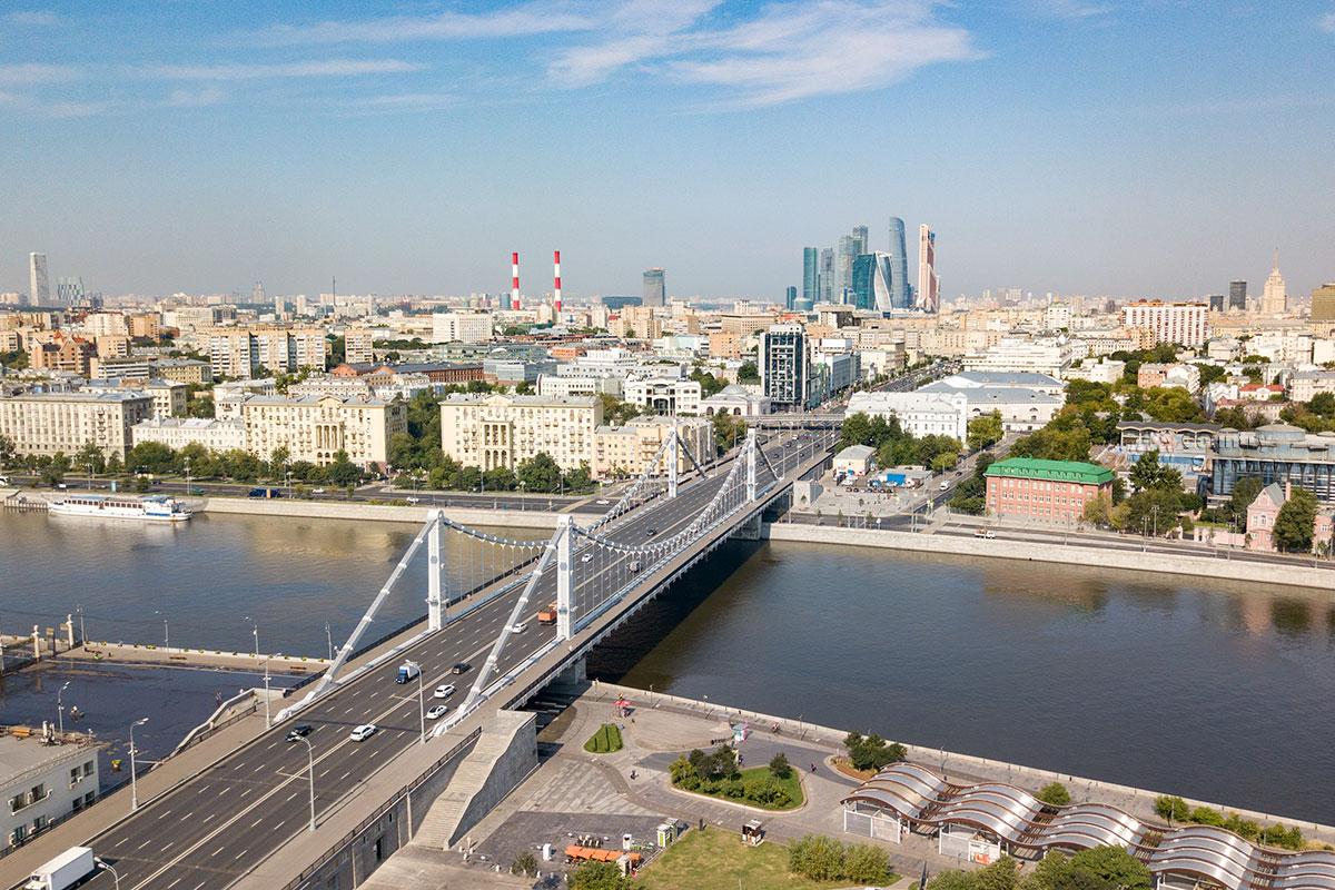 Крымский мост в Москве – не просто удобная переправа автомобилей и пешеходов, это комплексная транспортная развязка.