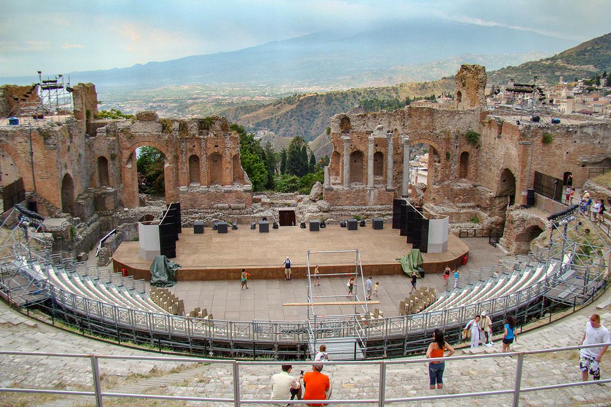 antic-taormin-theatre-countryscanner-1.jpg