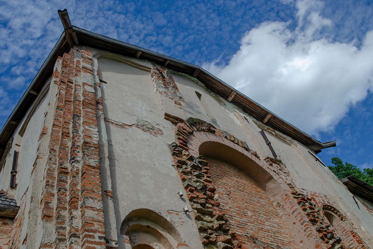 Более полувека реставрации сделали церковь Параскевы Пятницы на Торгу относительно безопасной для посещения, но не более того.