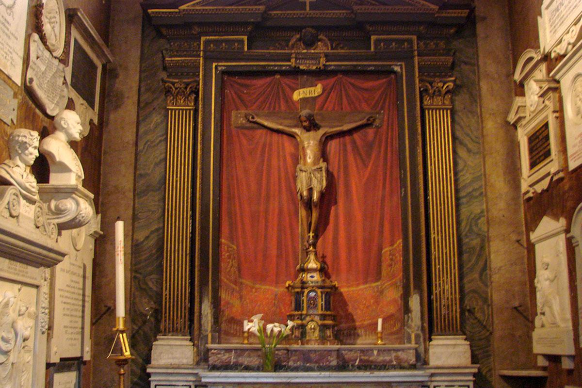 Церковь Сан Луиджи деи Франчези основана французской общиной Рима, до сих пор ею является, здесь захоронены многие личности этой национальности.
