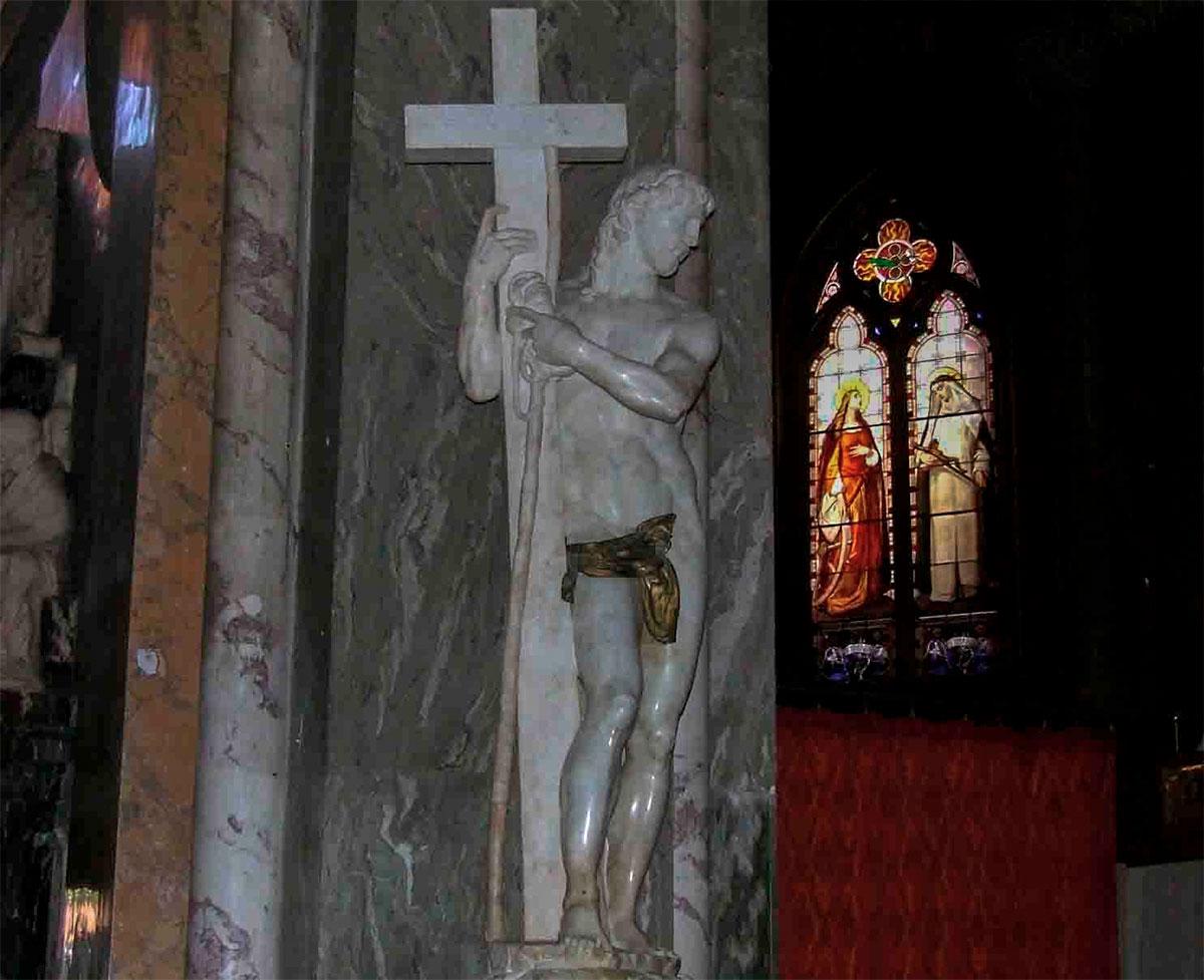 Статуя Воскресший Христос, выполненная Микеланджело Буонарроти