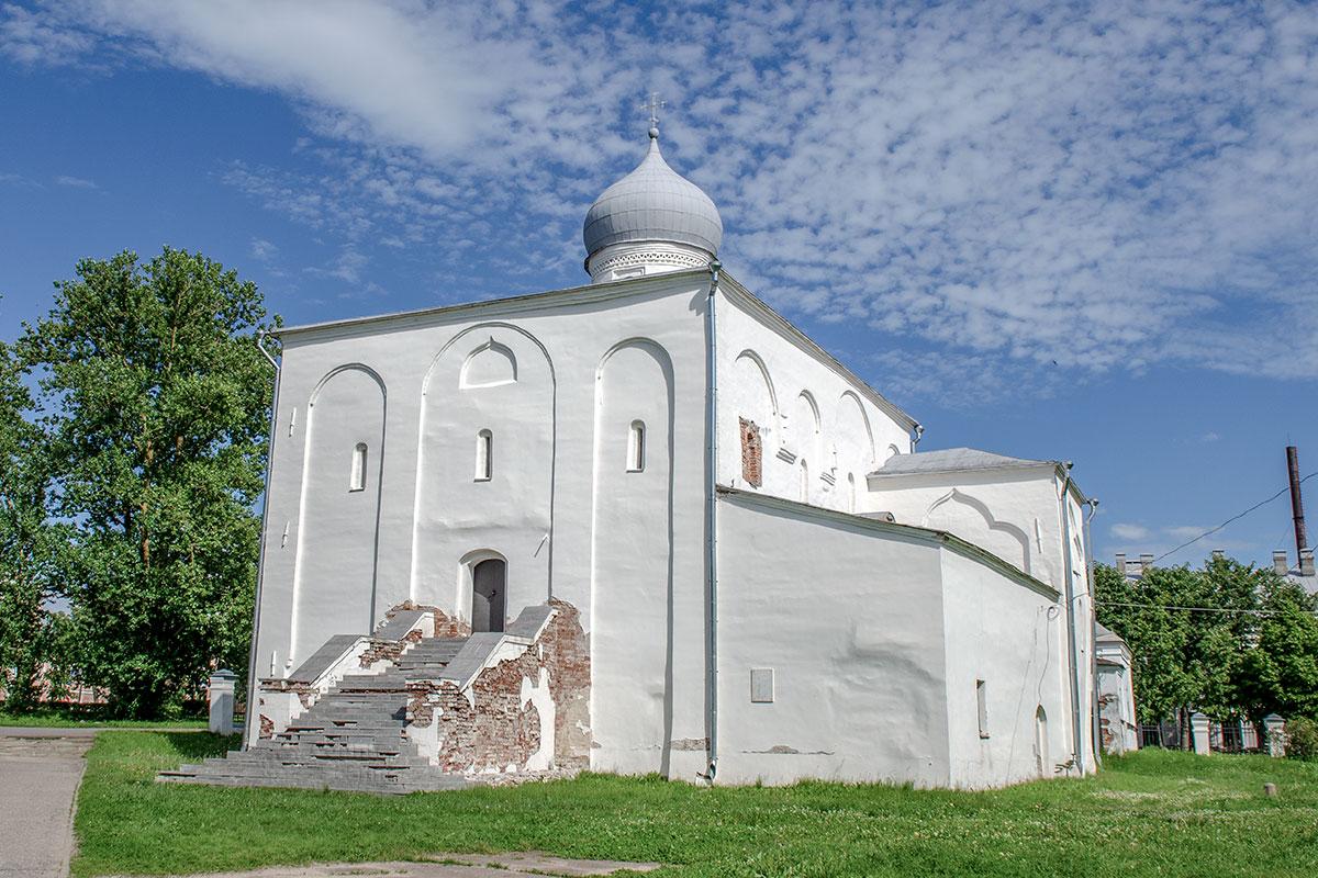 cerkov-uspeniya-presvyatoy-bogoroditsy-countryscanner-1.jpg