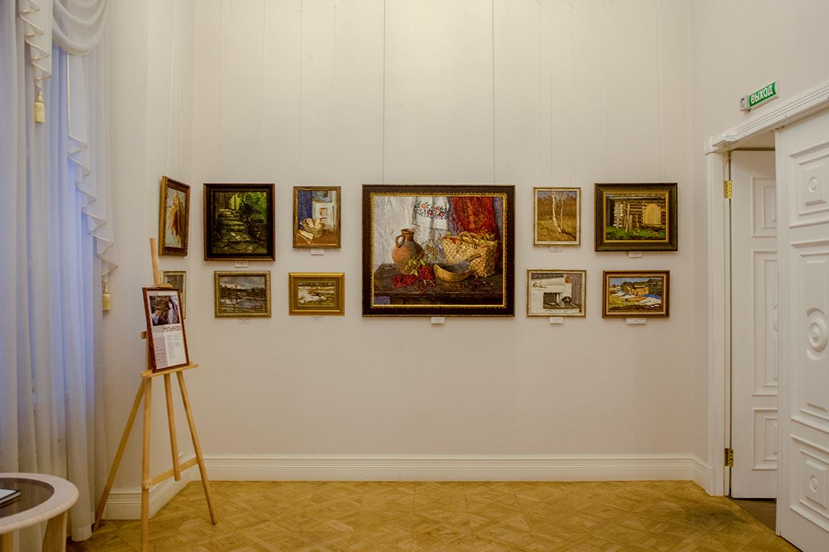 Выставочные помещения второго этажа здания Губернаторского дома в Пензе предоставлены под произведения областных художников разных жанров.