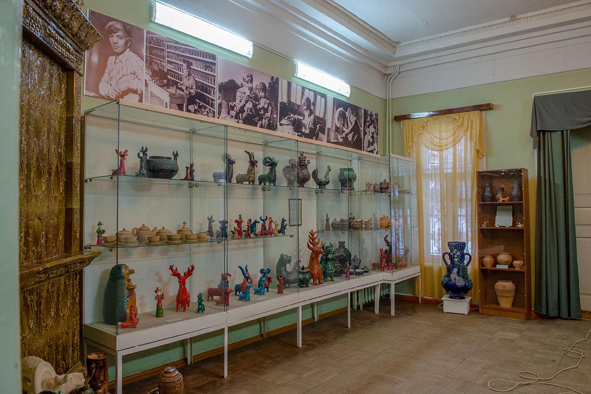 Отдельный раздел экспозиции пензенский музей народного творчества посвятил керамике, в том числе изделиям знаменитой Абашевской фабрики.