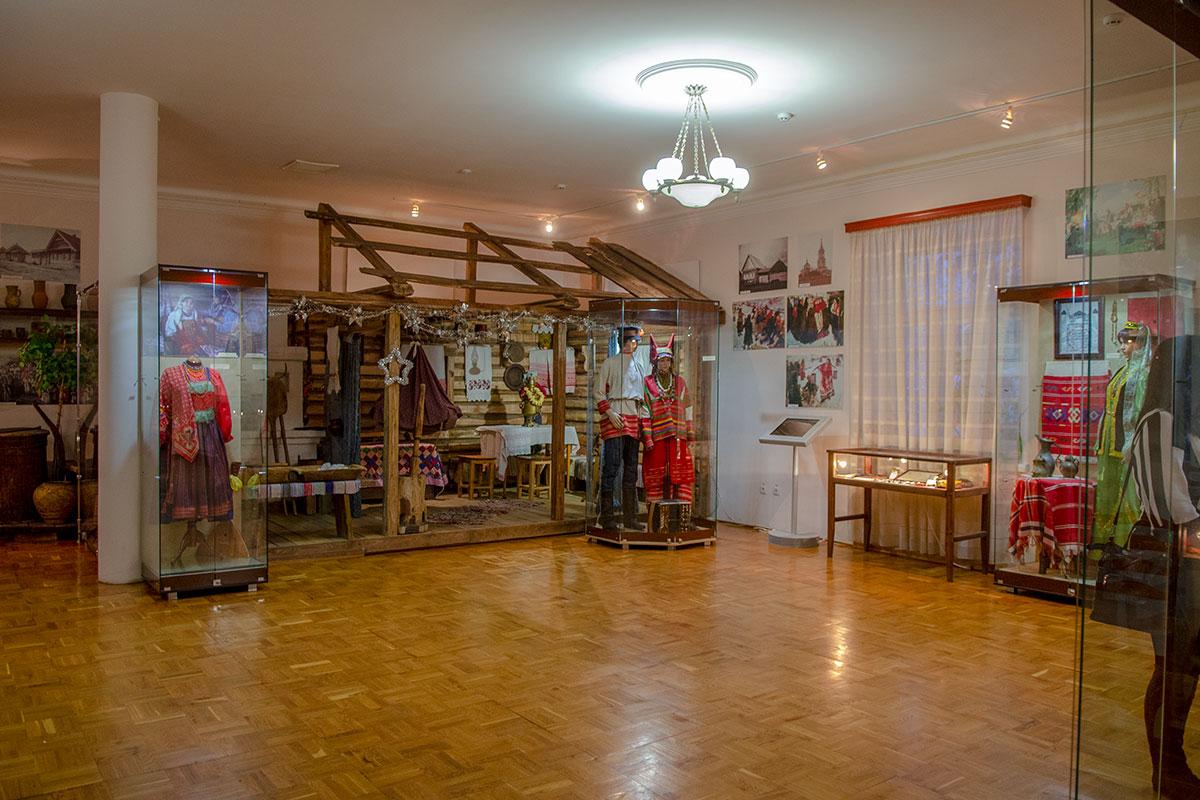 Недолгая служба Ильи Николаевича в Пензе не оставила достаточного количества свидетельств, поэтому музей Ульянова укомплектован краеведческими экспонатами.