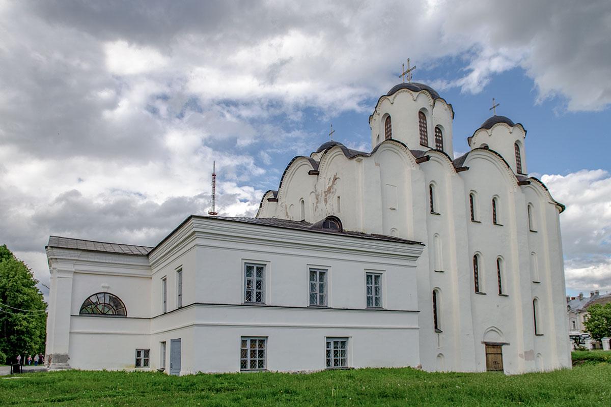 nikolo-dvorishchenskiy-sobor-countryscanner-1.jpg