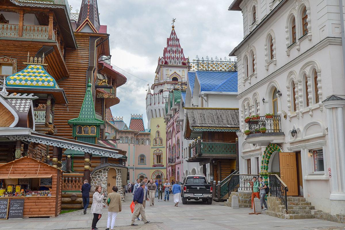 Ни одно из многочисленных строений на территории Измайловского Кремля не осталось невостребованным, все кем-либо используются.