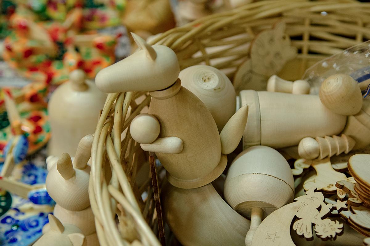 Для изготовления игрушек на своих мастер-классах Музей русской народной игрушки использует деревообрабатывающий станок.