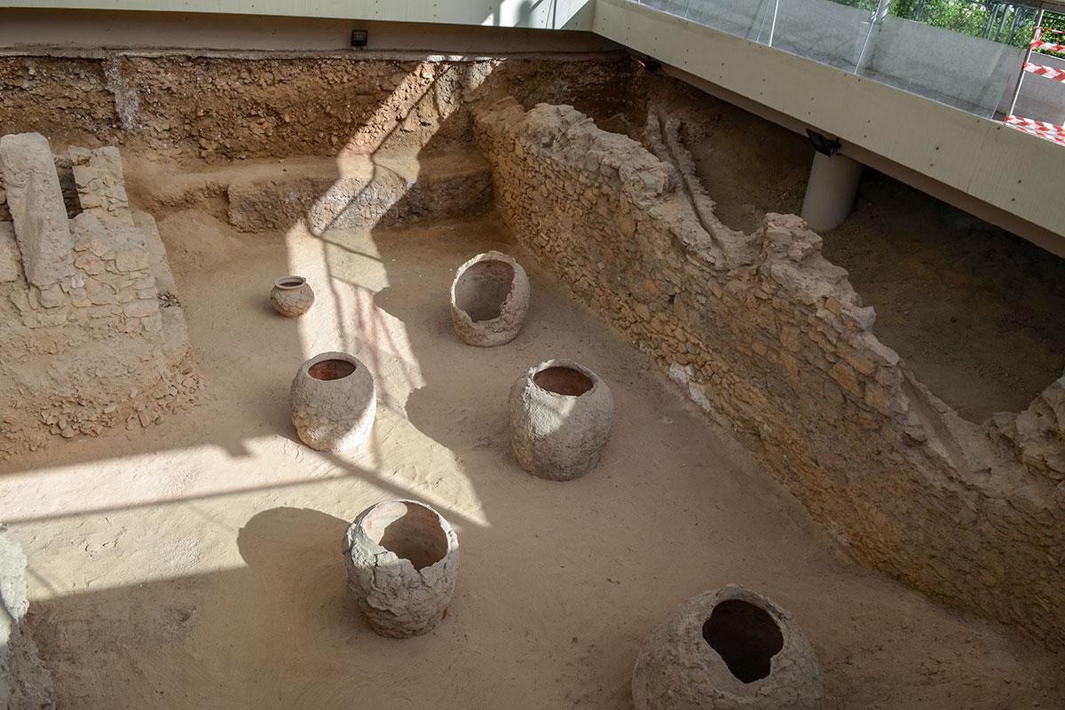 Расположенная в самом центре греческой столицы древнеримская баня была обнаружена под культурными слоями при строительстве метрополитена.