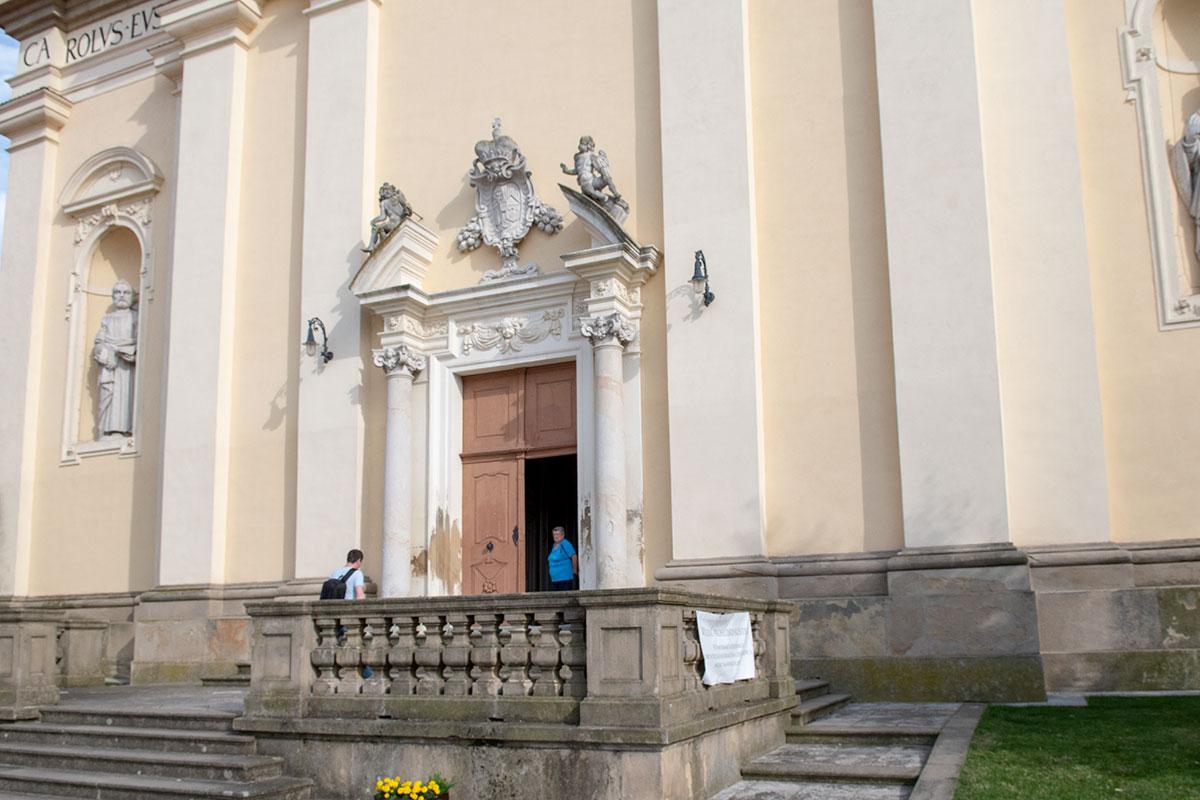 Костел вознесения Девы Марии строился и перестраивался одновременно с замком Валтице, одними и теми же архитекторами и строителями.