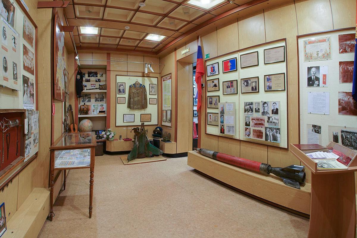 Раздел современной истории краеведческий музей поселка Советское пока украсил только российским знаменем, заменив им украинское полотнище.