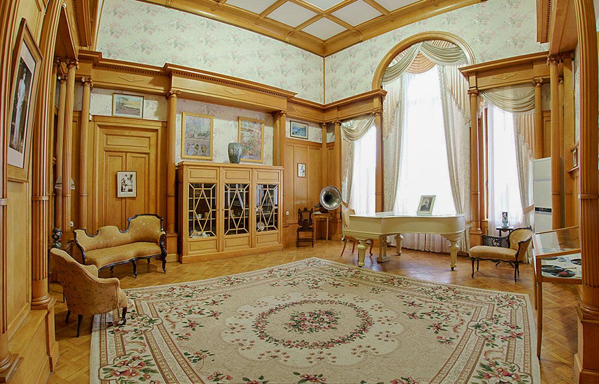ладонях ливадийский дворец в крыму фото внутри крепости остались