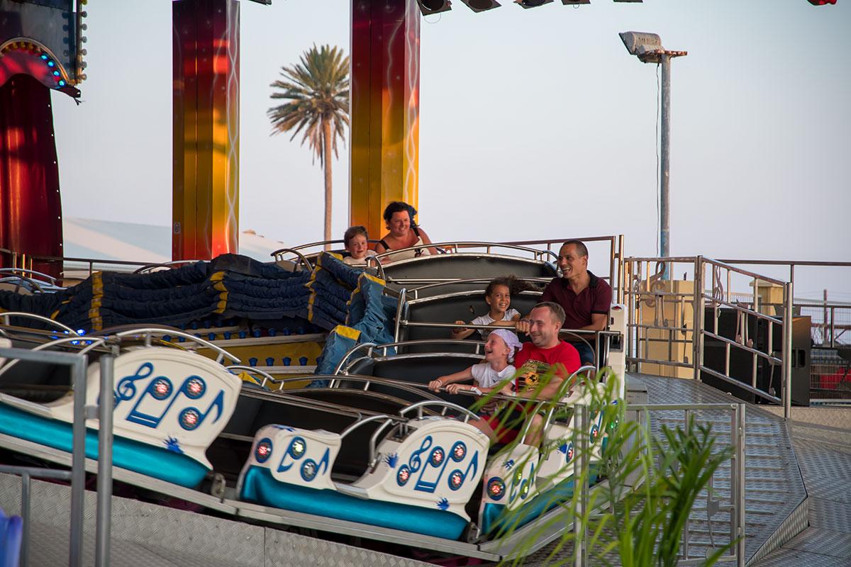 Лунапарк в Айя Напе организует семейное времяпровождение