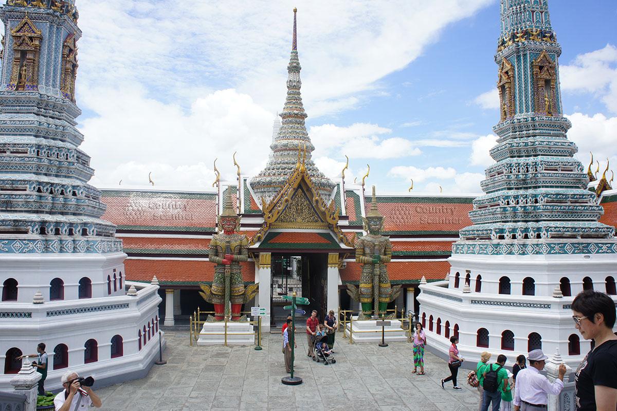 Ват Пхо - это не только храм. Так звали выдающегося доктора, который сделал самый большой вклад в развитие тайского массажа