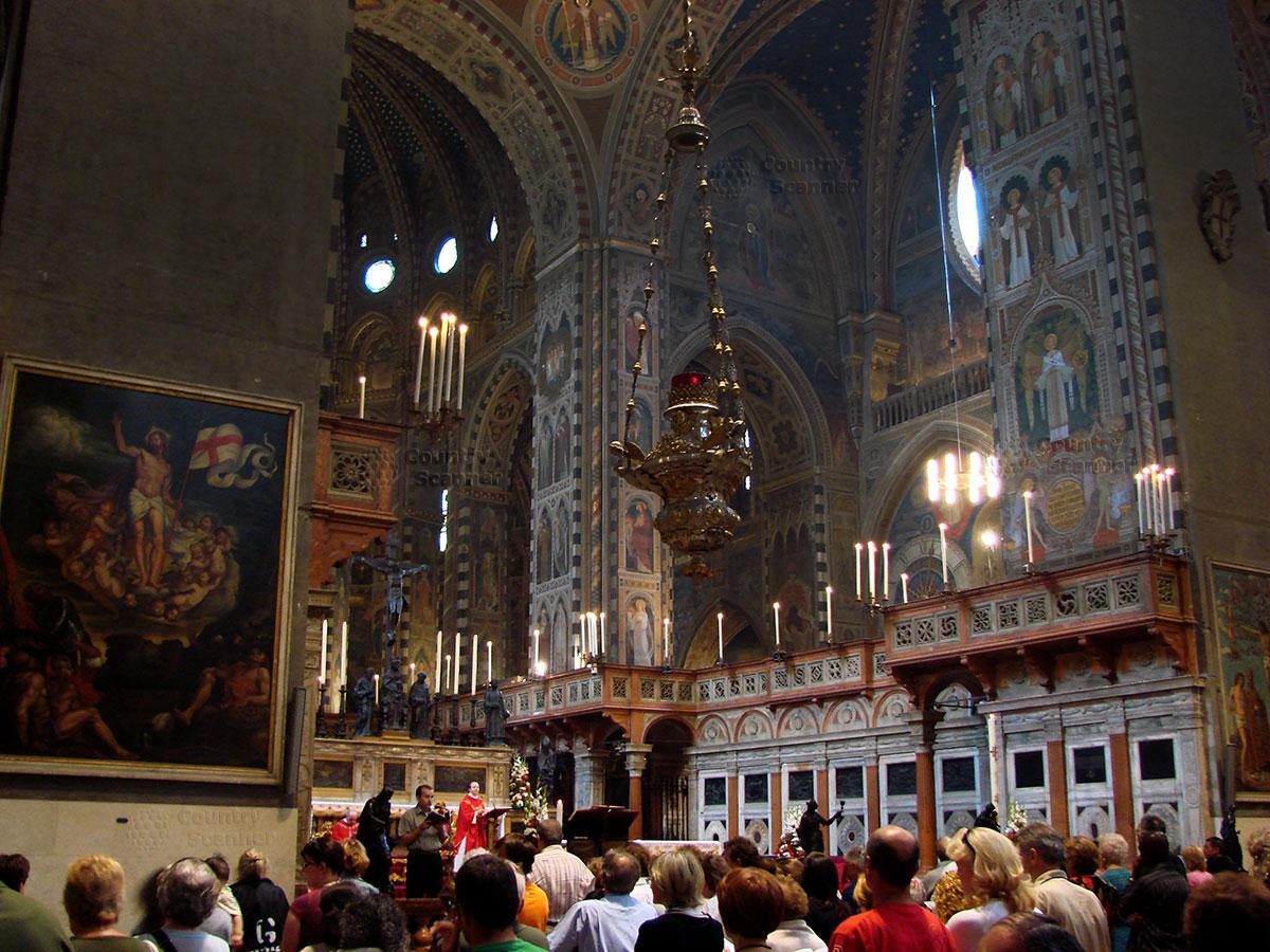 Базилика святого Антония Падуанского. Служба