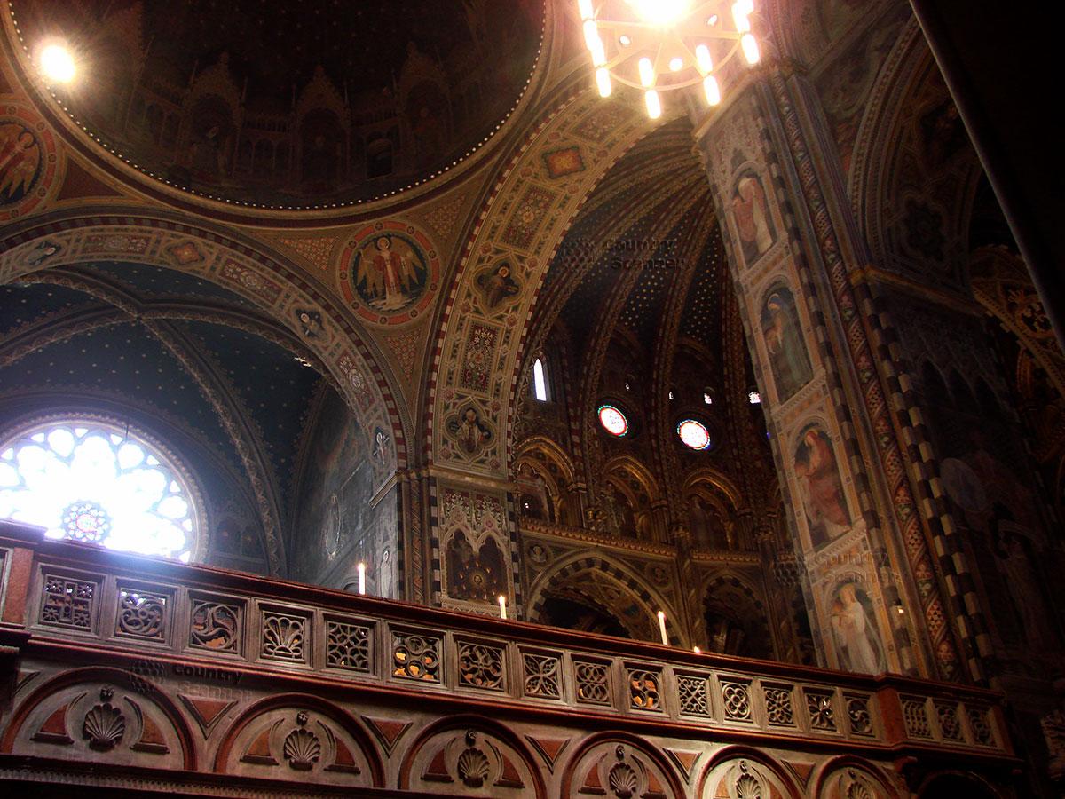 Базилика святого Антония Падуанского. Внутреннее убранство