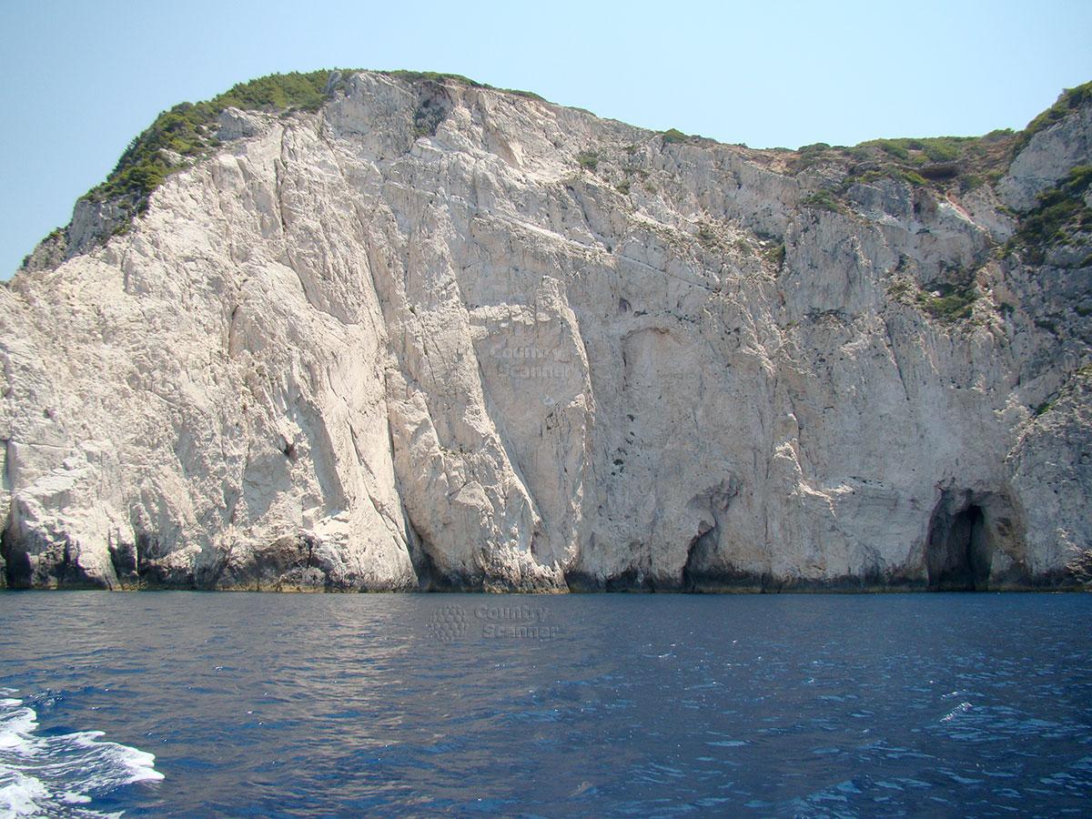 Голубые пещеры. Вид горы