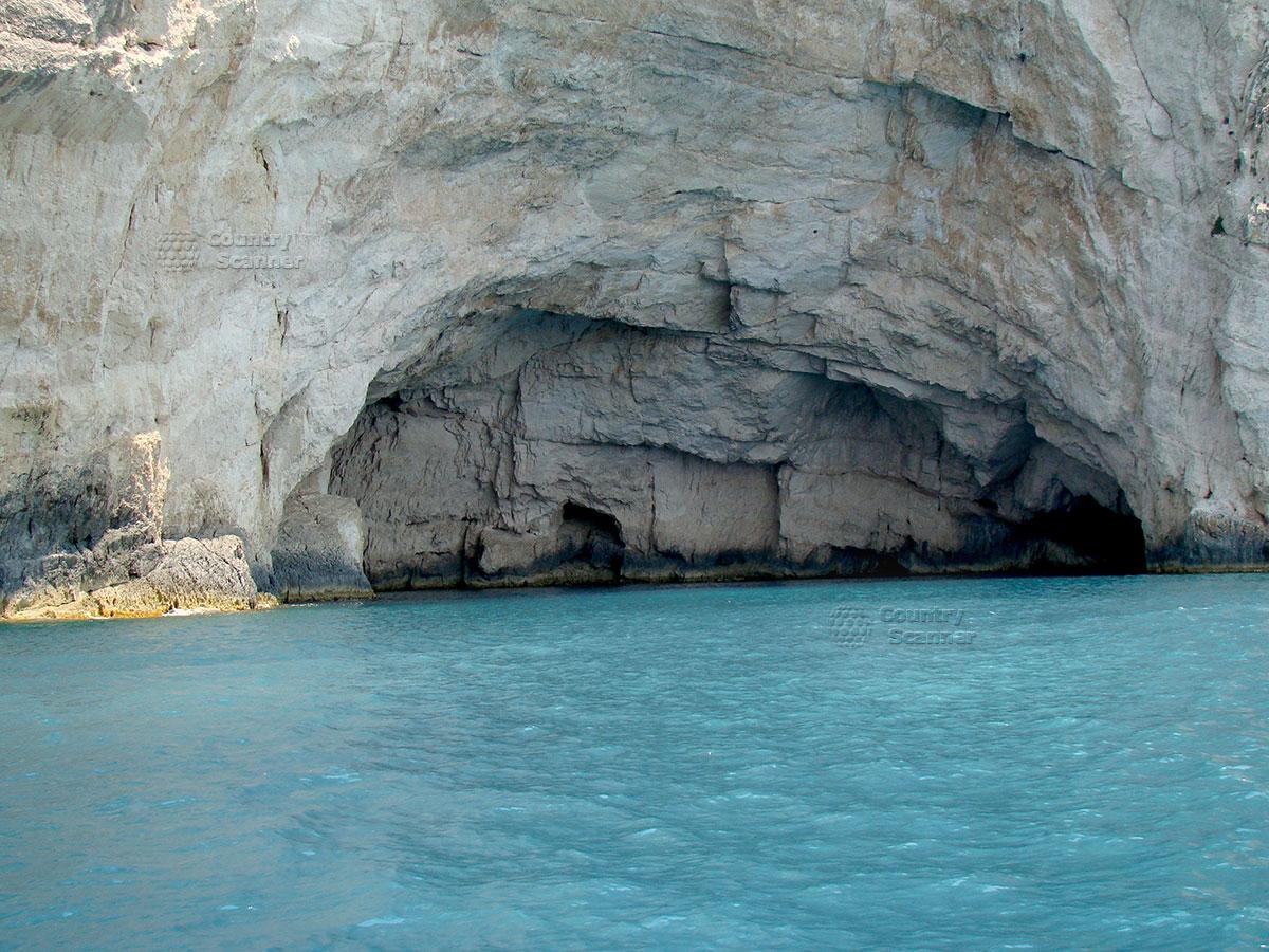Голубые пещеры. Грот