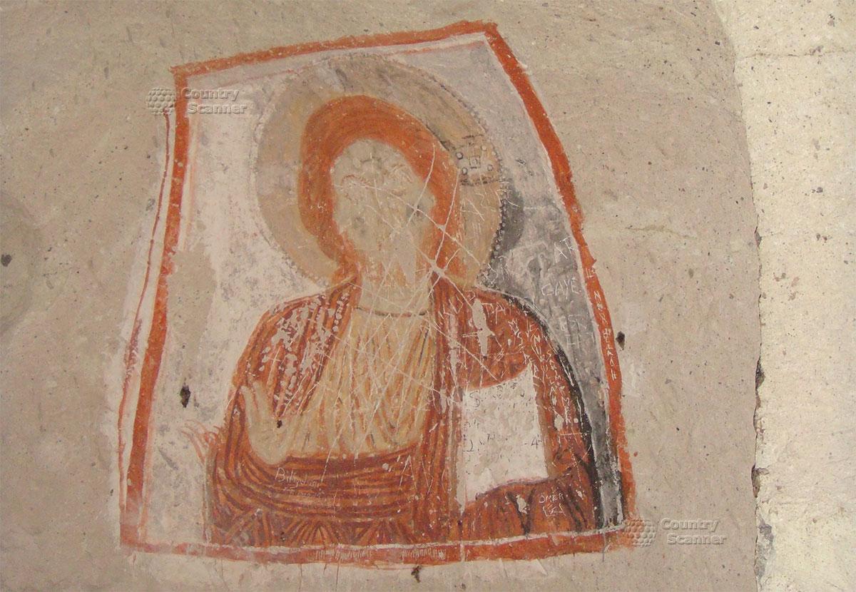 Нарисованная икона на стене в пещере Каппадокии