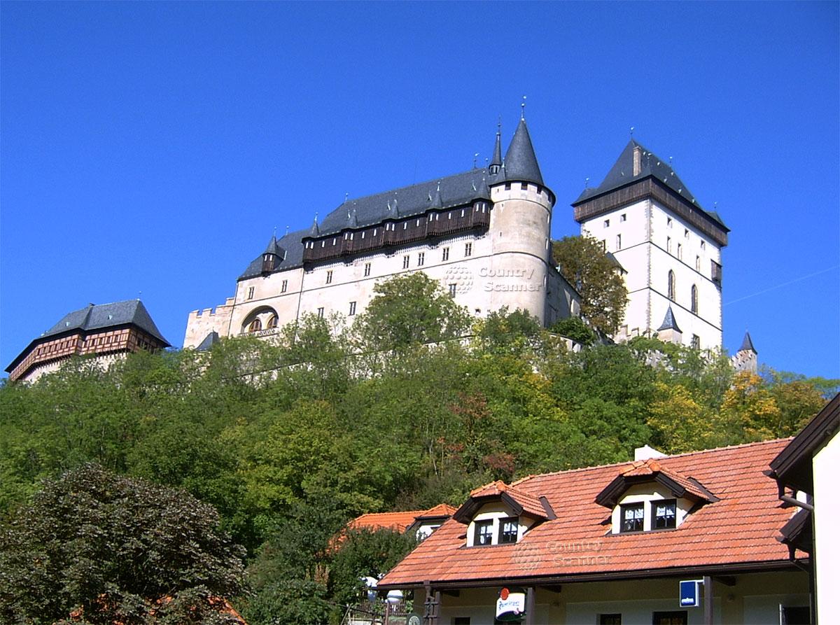Готический замок Карлштейн в Чехии