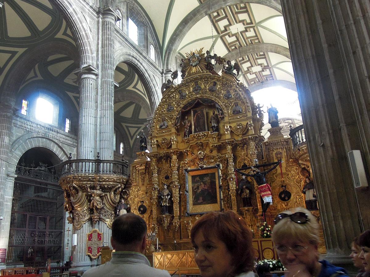 Кафедральный собор Мехико. Золоченый алтарь