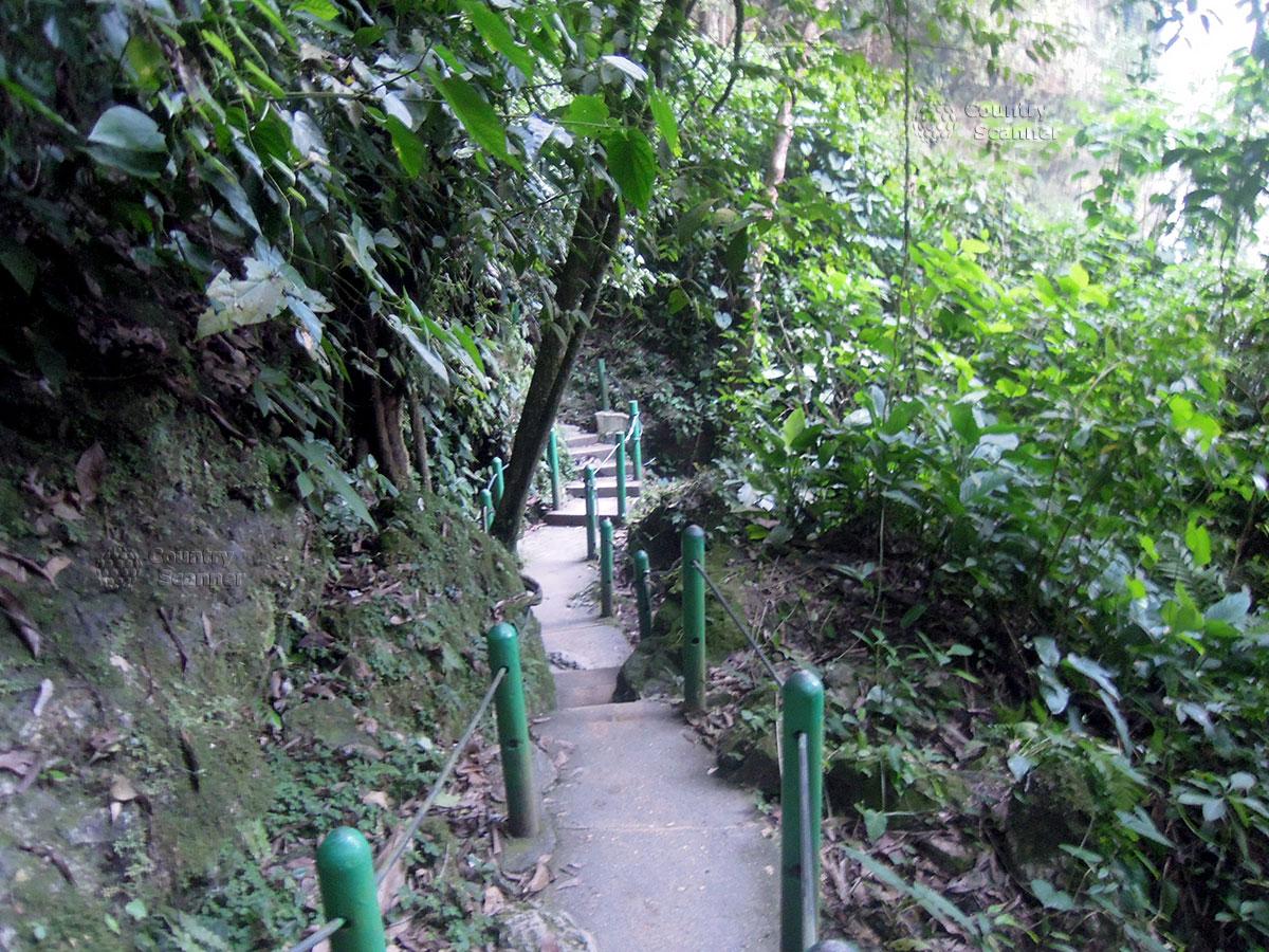 Водопад Мисоль-Ха. Тропинка