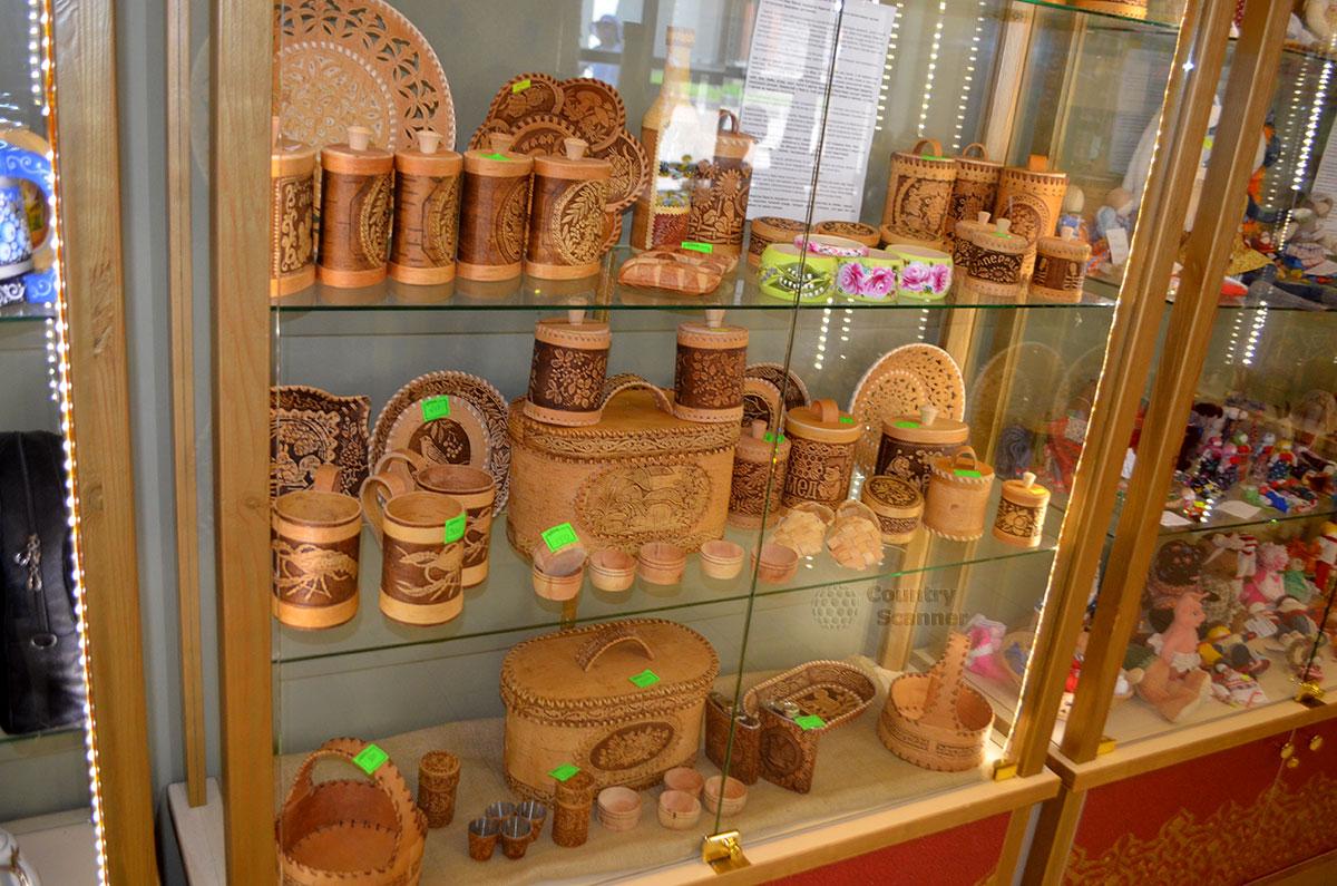 Культурно-этнографический центр Моя Россия. Сувениры из дерева