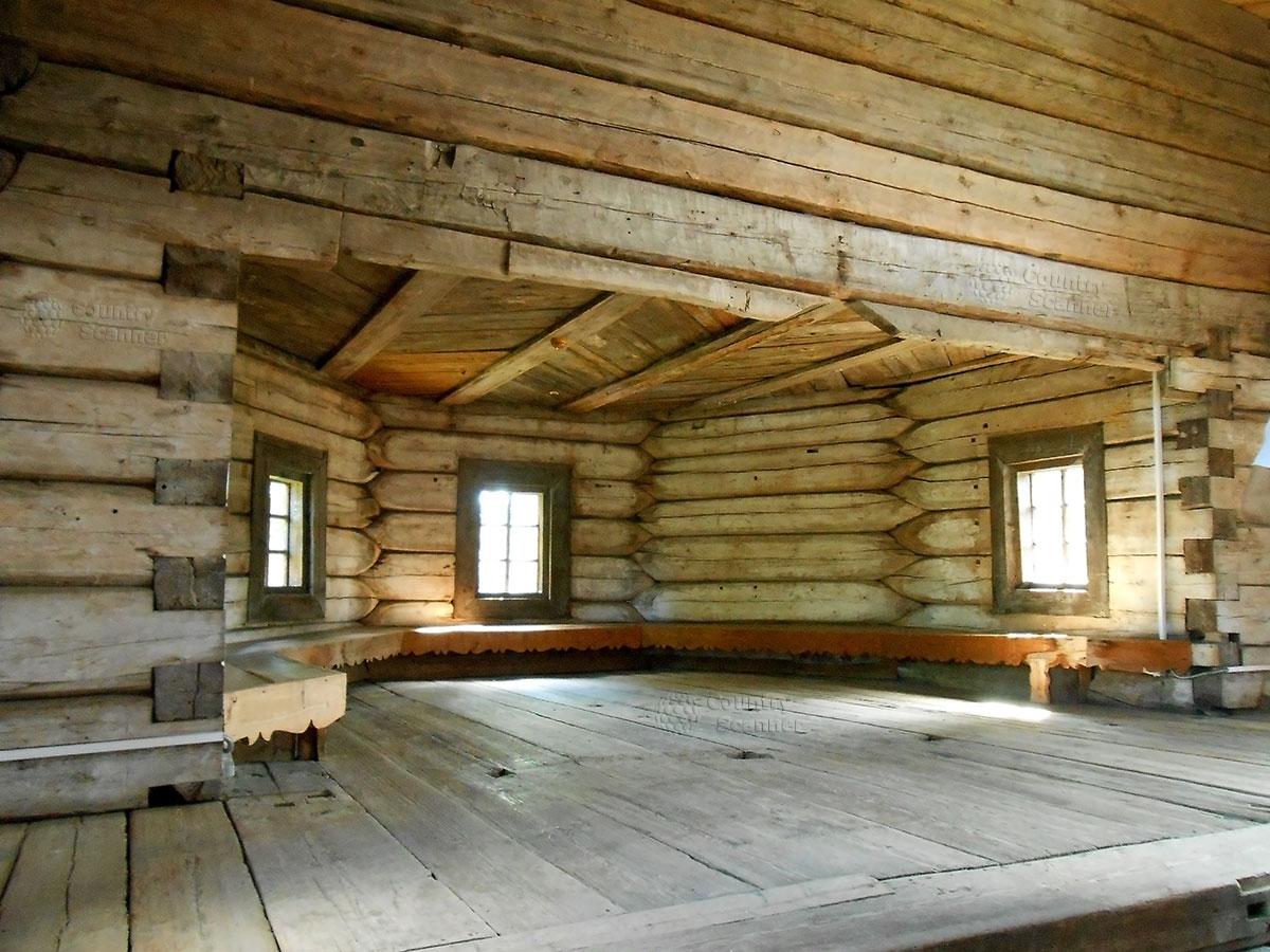 Архитектурно-этнографический музей Хохловка. Внутренне помещение большое