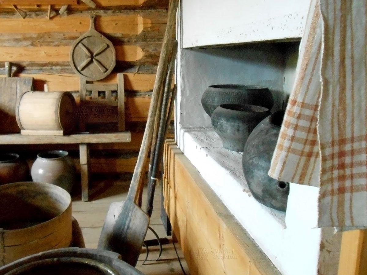 Архитектурно-этнографический музей Хохловка. Печь в избе