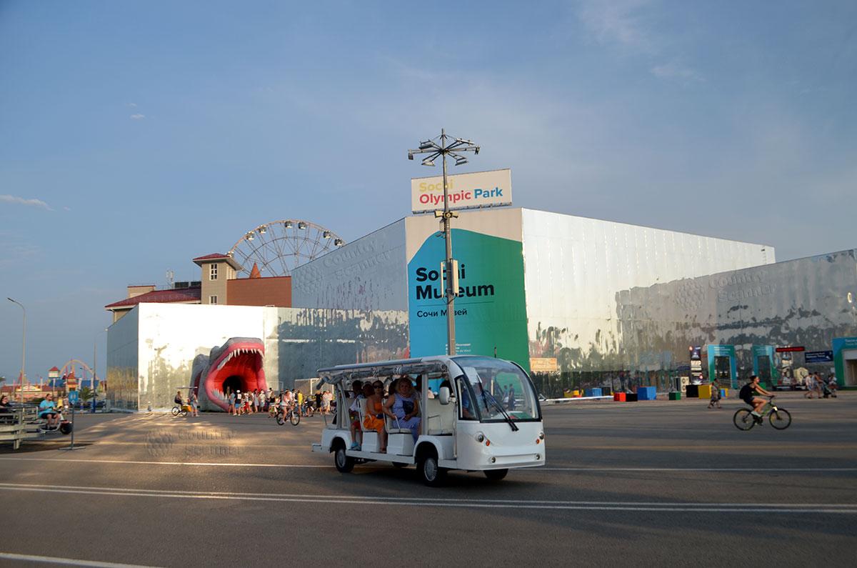 Экскурсия по олимпийскому парк Сочи на открытом электроавтобусе.