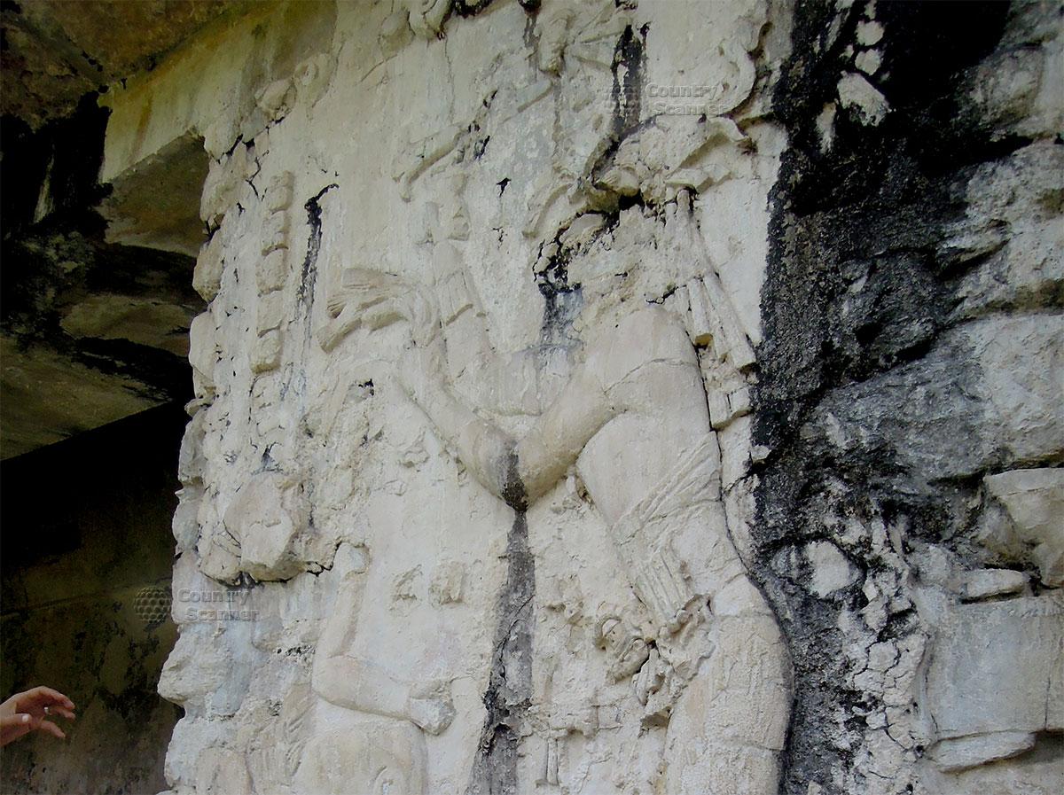 Руины Паленке в Мексике. Барельеф