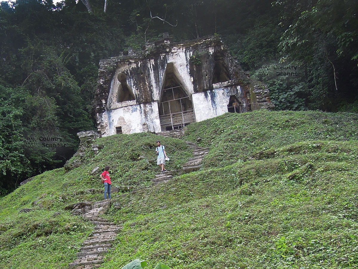 Руины Паленке в Мексике. Храм лиственного креста