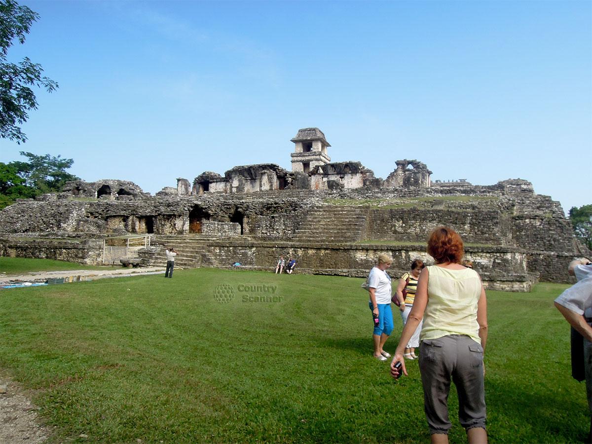 Руины Паленке в Мексике. Общий вид