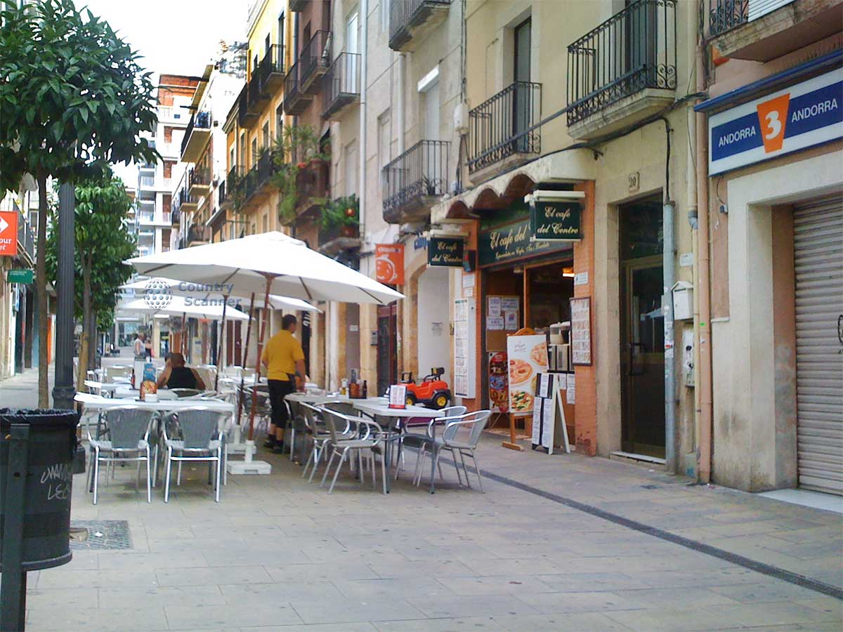 Испания, Таррагона, укая улочка, кафе, древний город,