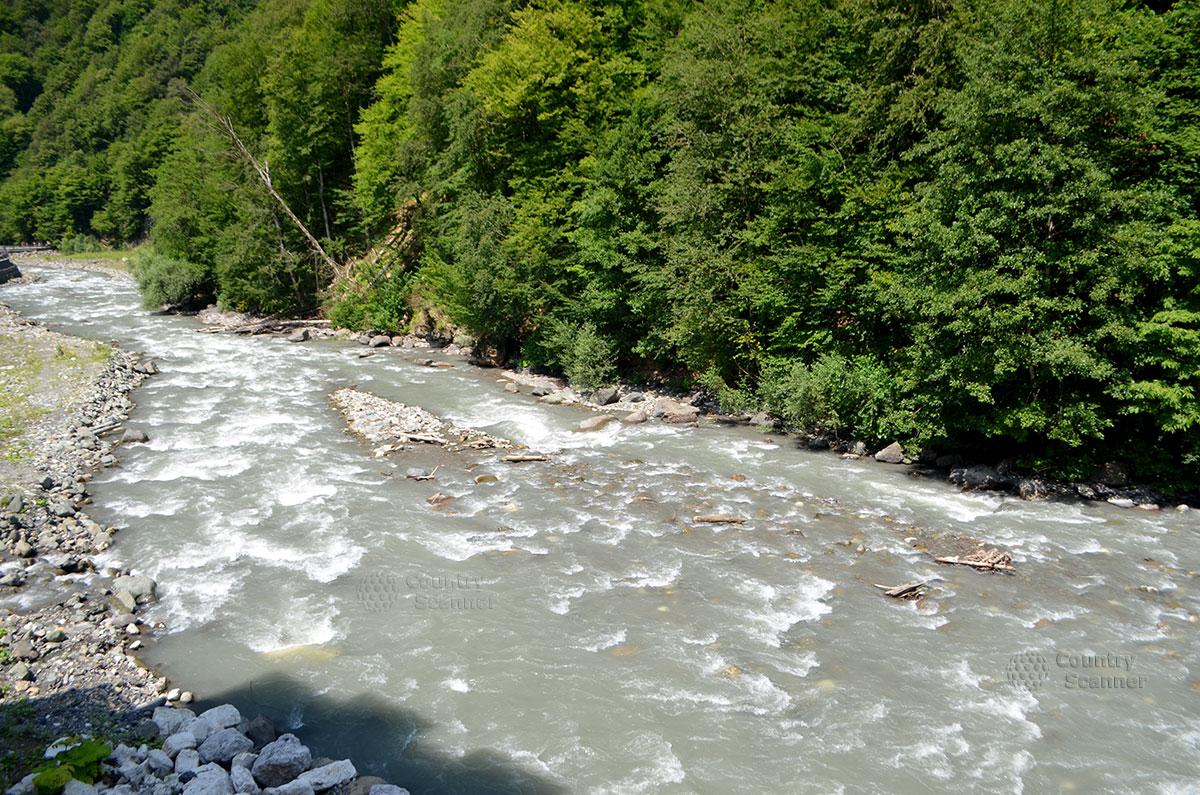 splav-po-reke-mzymta-countryscanner-4