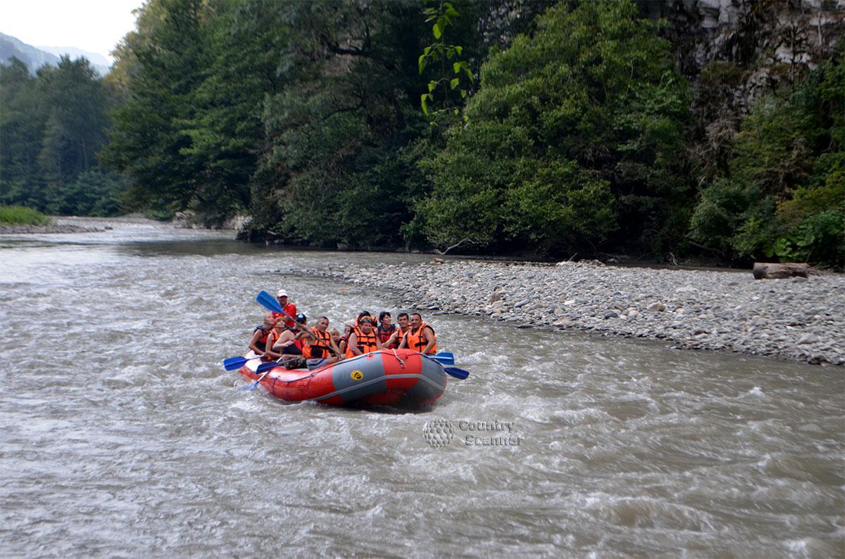 splav-po-reke-mzymta-countryscanner-9