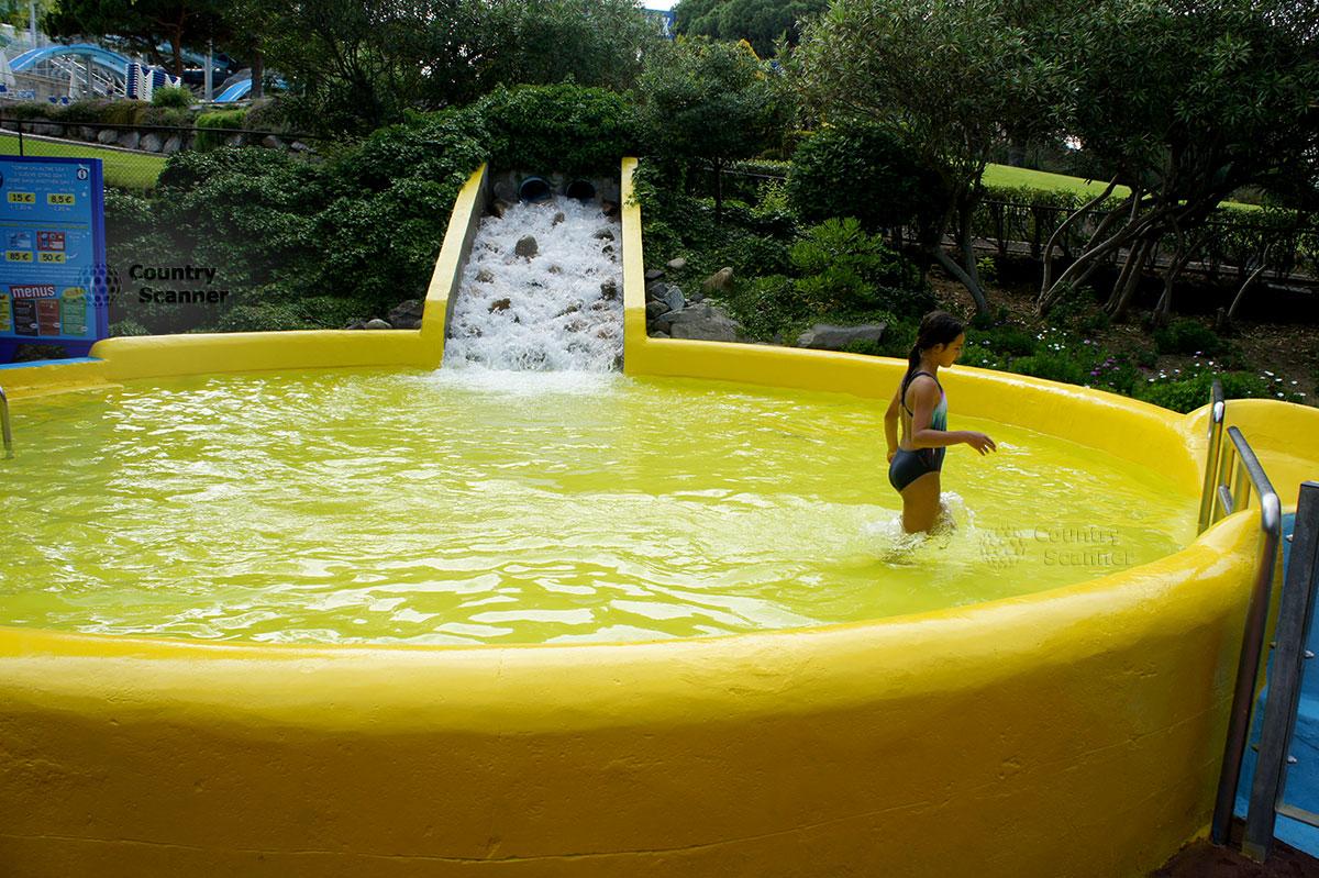 "Аквапарк Water World Lloret. Бассейн для детей ""Family Lagoon""."
