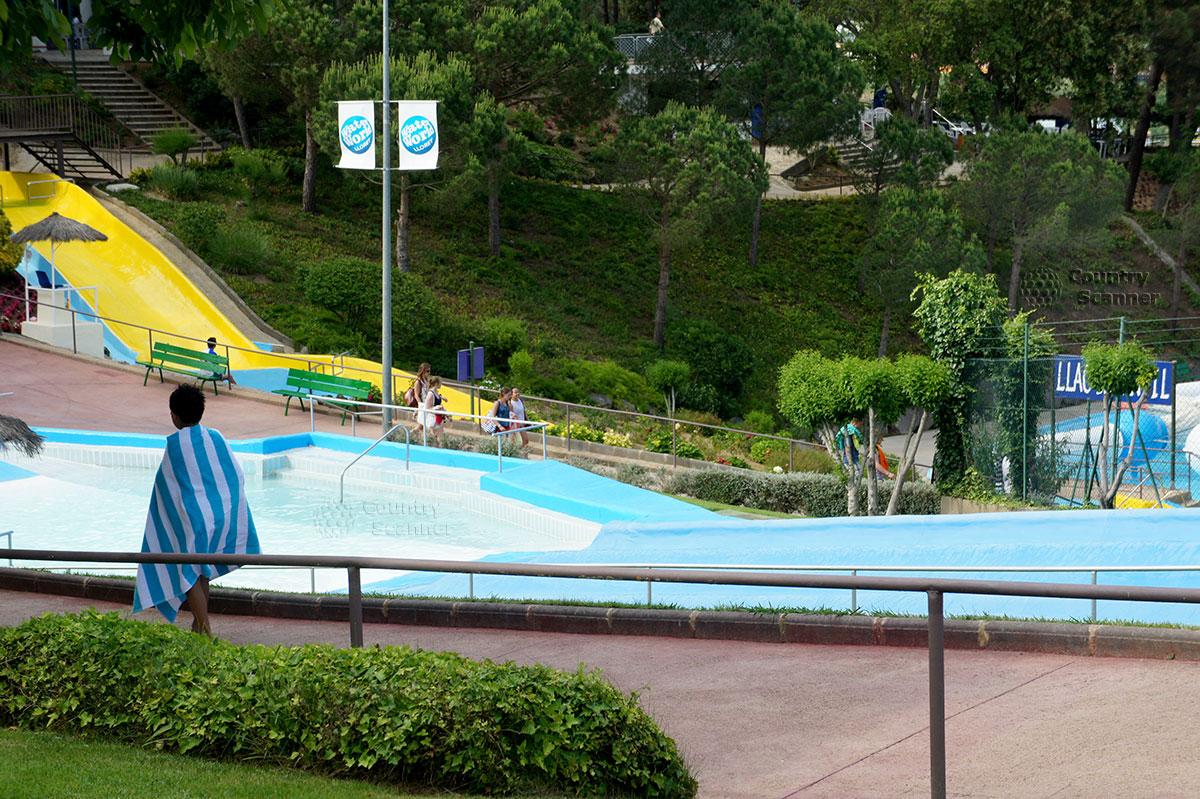 Аквапарк Water World Lloret. Горки для детей.