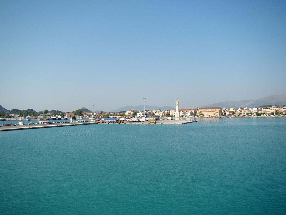 Собор Святого Дионисия на острове Закинтос. Вид со стороны моря.